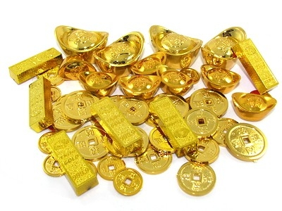 Faux Gold Coins, Ingots, and Bars are available in Ongpin. If you can't find one please contact me at sanaakosirickylee@gmail.com